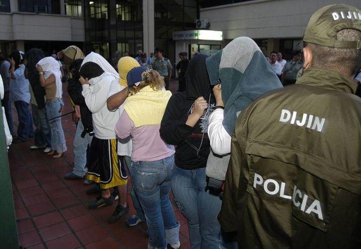 En los últimos tres años en Colombia se ha detenido a 78 personas por defraudar al Estado con devoluciones irregulares del IVA. (EFE/Archivo)