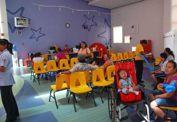 En el CRIT, niños y adolescentes reciben un invaluable apoyo para tener una mejor calidad de vida. (Tomás Álvarez/SIPSE)
