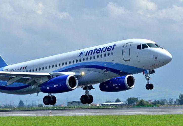 Interjet explicó que la autoridad aeronáutica de Rusia emitió una directiva para revisar los aviones Superjet100, similares a los que tiene la empresa mexicana. (Archivo/Agencias)