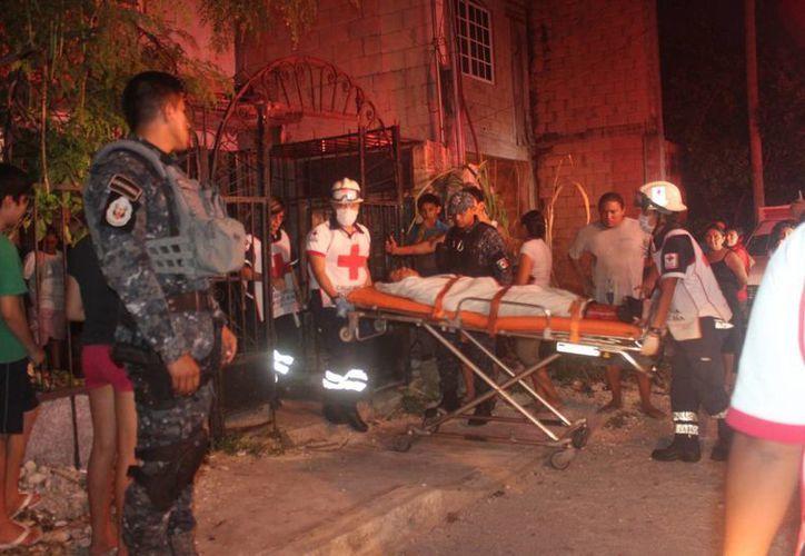 Un menor de edad fue herido gravemente con un arma blanca frente a una secundaria de Cancún. (Redacción/SIPSE)