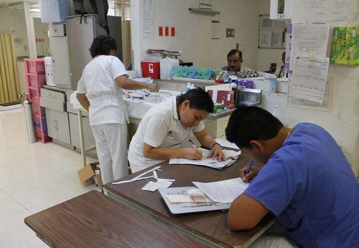 """""""La mayor parte de las enfermeras, celebrarán su día ejerciendo sus labores"""", señaló Sheila Lara Velázquez, presidenta del Colegio de Enfermeras Pediátricas. (Redacción/SIPSE)"""