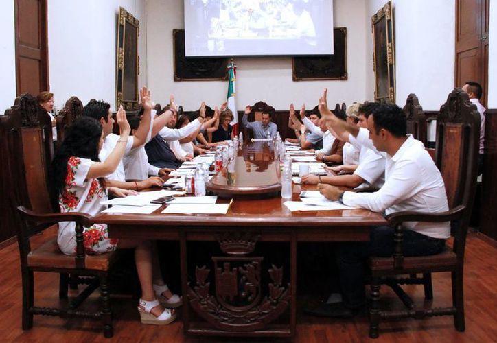 Sesión de Cabildo en la que se aprobó el Comité de Transparencia. (Milenio Novedades)