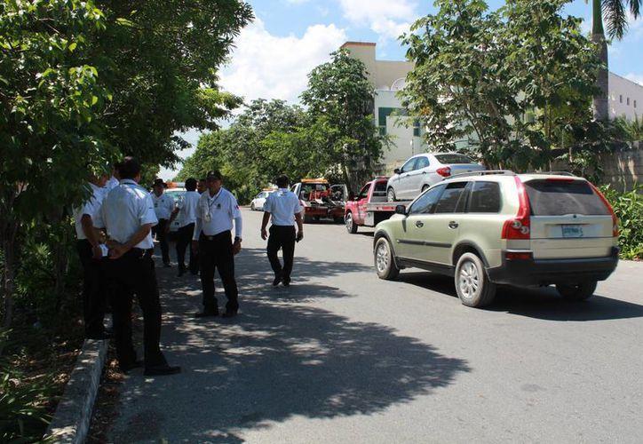 De acuerdo a las autoridades, hasta el momento han detenido 92 vehículos. (Luis Soto/SIPSE)