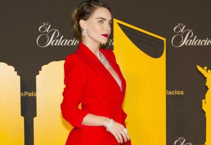 La estrella juvenil Belinda explorará una nueva faceta en su carrera al convertirse en empresaria. Durante la reapertura de una tienda departamental la intérprete de 'En la obcuridad' afirmó que está trabajando en su primera línea de ropa junto a un grupo de diseñadores. (Notimex)