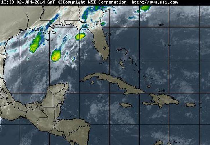 El frente estacionario número 22 que se localiza al norte de la Península de Yucatán, se asocia a un sistema de baja presión que se localiza en la Bahía de Campeche. (Foto/www.wsi.com)
