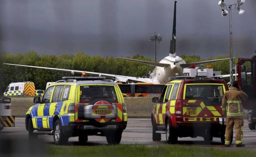 Al parecer un incendio fue el causante del inesperado aterrizaje. (Agencias)