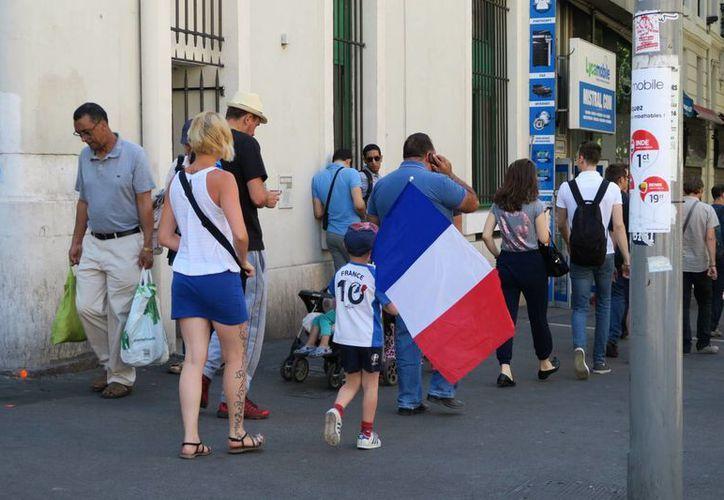 La visa para el programa Vacaciones-trabajo, será válida para Francia Metropolitana y Ultramar. La imagen corresponde al puerto de Marsella, únicamente para fines ilustrativos. (Archivo/Notimex)