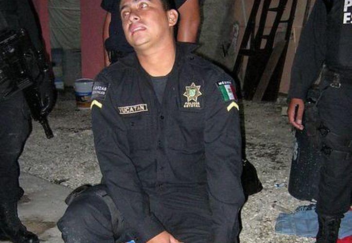 El agente de la SSP David Ramírez resultó lesionado. (Jorge Pallota/SIPSE)