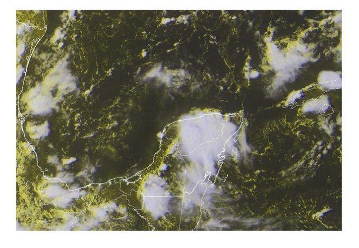 Amplia nubosidad cubría la mayor parte de Yucatán hace unos minutos. (Facebook Conagua Yucatán)
