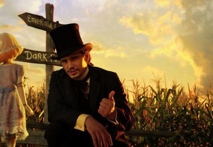 James Franco es el protagonista del filme en el papel de un mago. (www.extracine.com)
