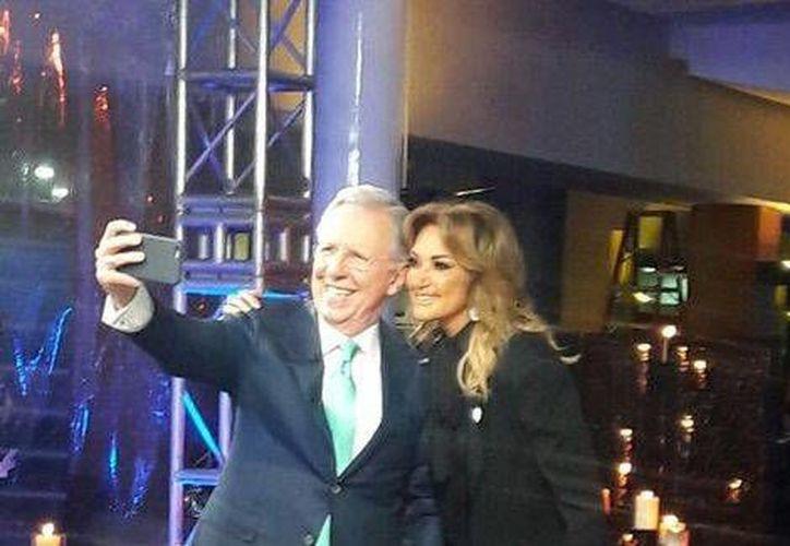En el anuncio que dio a conocer Televisa, destacan la salida de Adela Micha y Joaquín López Dóriga, quienes llevan muchos años en la televisora de San Ángel.(Foto tomada de Twitter/@Adela_Micha)