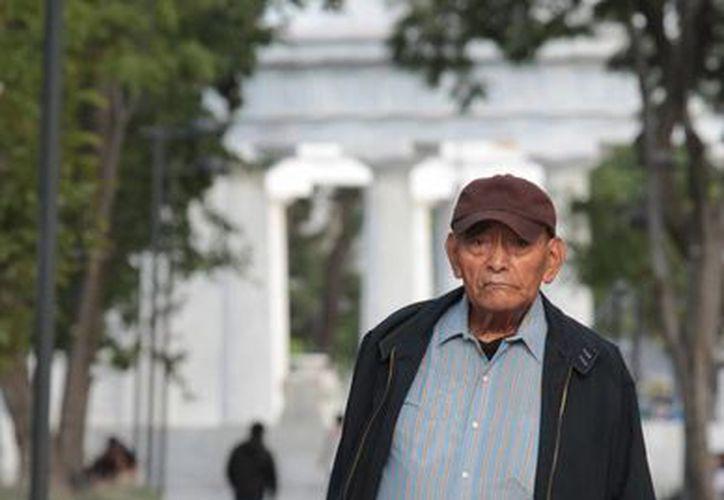 En México el proceso de envejecimiento se hizo evidente a partir de la última década del siglo pasado. (Archivo/Notimex)