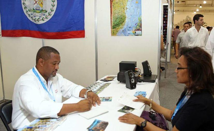 El gobernador inauguró ayer la Feria Turística del Mundo Maya 2013. (Cortesía)
