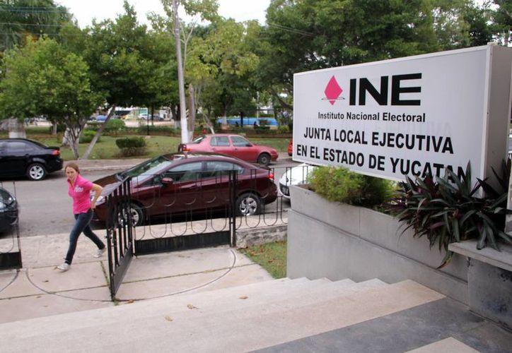 El Instituto Nacional Electoral (INE) continúa el proceso para liquidar de manera definitiva al Partido Humanista, el cual perdió su registro luego de no alcanzar la votación mínima en los comicios del 7 de junio de 2015. (Milenio Novedades)