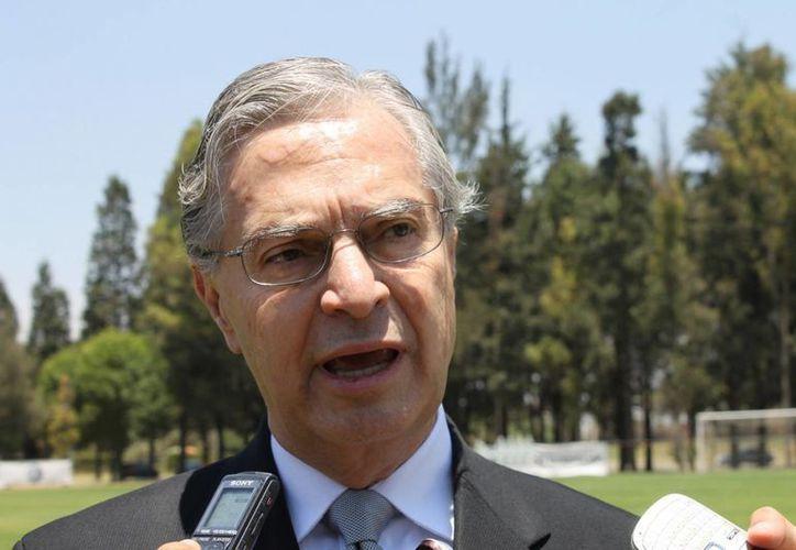 Para el ex secretario de Economía, Luis Derbez, con la reforma hacendaria se tendrá un crecimiento del 1.5 al 1.6 por ciento. (dxtweb.com.mx)