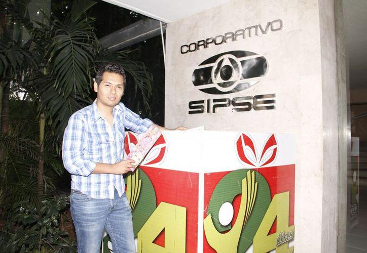 Yudiel Ramos transmite su programa por Amor 100.1 a las 10 de la noche. (Milenio Novedades)