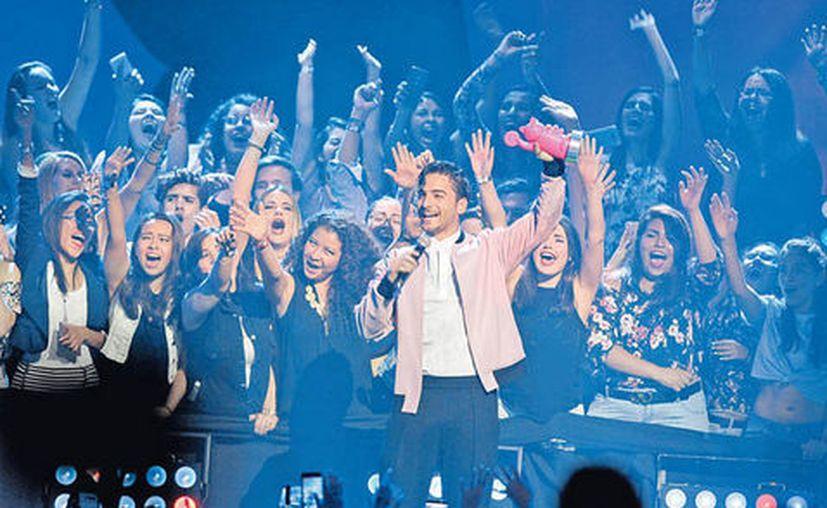 Maluma fue el encargado de abrir la entrega de los Premios MTV MIAW, este sábado. (Milenio)