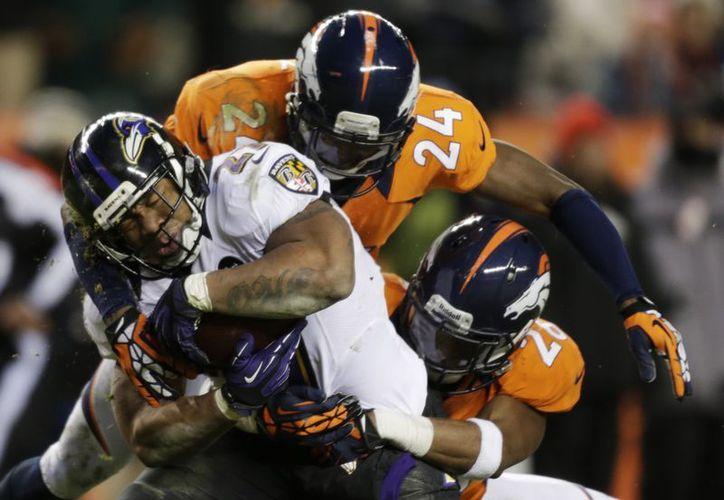 Ravens de Baltimore avanza hacia sus objetivos. (Agencias)