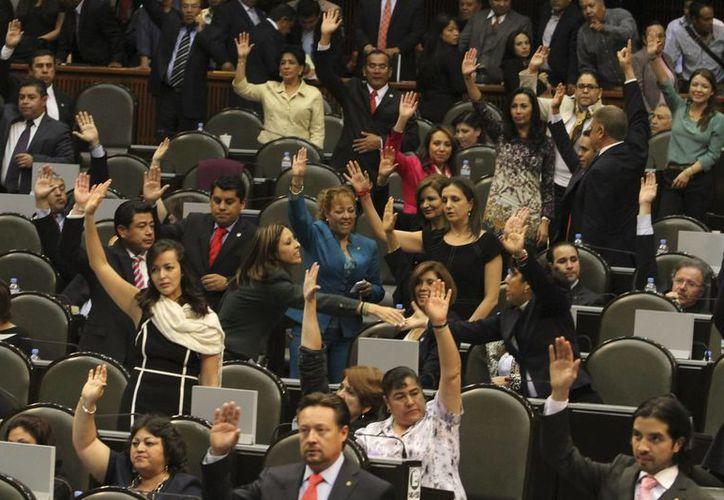 La Cámara de Diputados pretende un ahorro de cinco millones de peso. (Archivo/Notimex)
