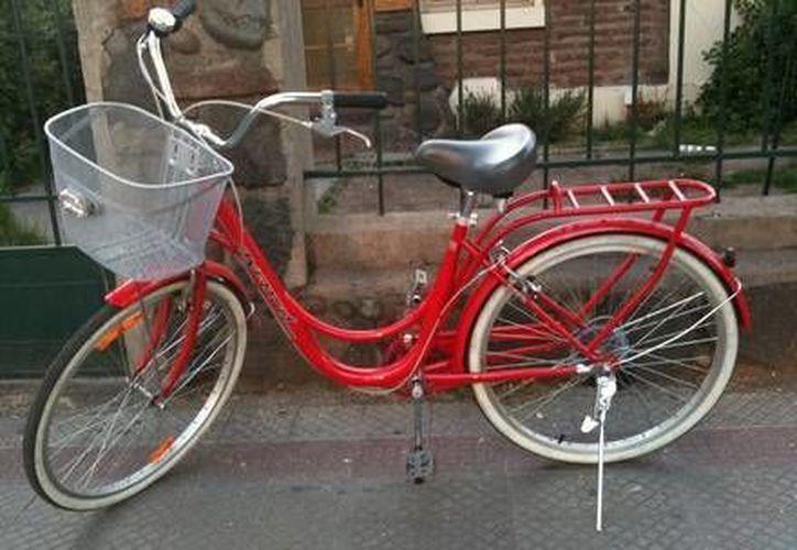 La menor reconoció como suya la bicicleta que conducía el detenido al momento de su arresto. (Foto de contexto/Internet)