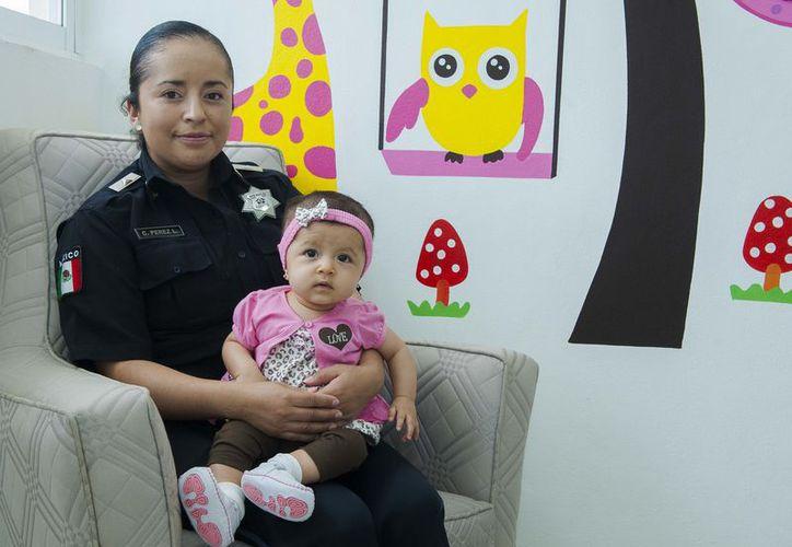Las mamás policías ya tienen un espacio adecuado para la lactancia. (SIPSE)
