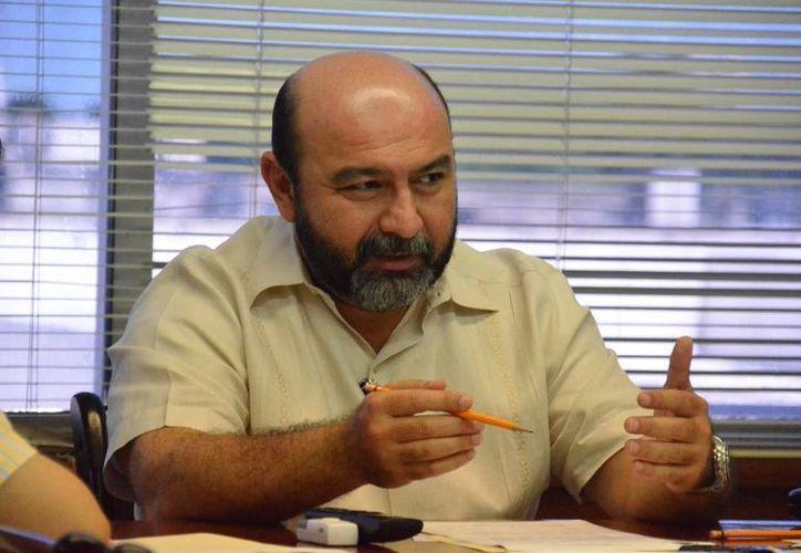 El diputado Luis Hevia Jiménez señala que con las reformas se perfecciona la democracia en Yucatán. (SIPSE)