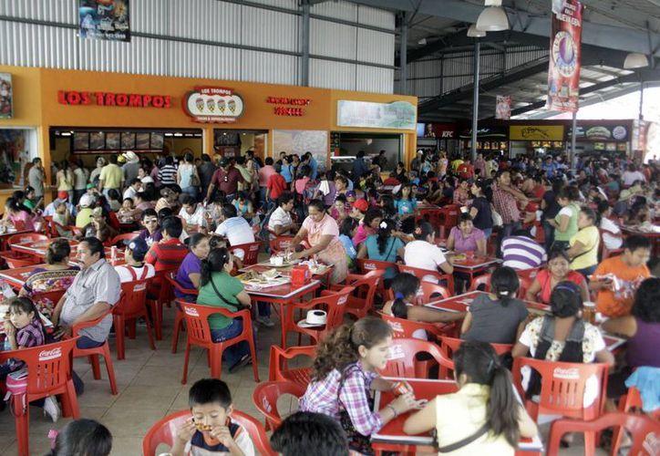 Unos 25 restaurantes estarán funcionando en el Carnaval 2014. (José Acosta/SIPSE)