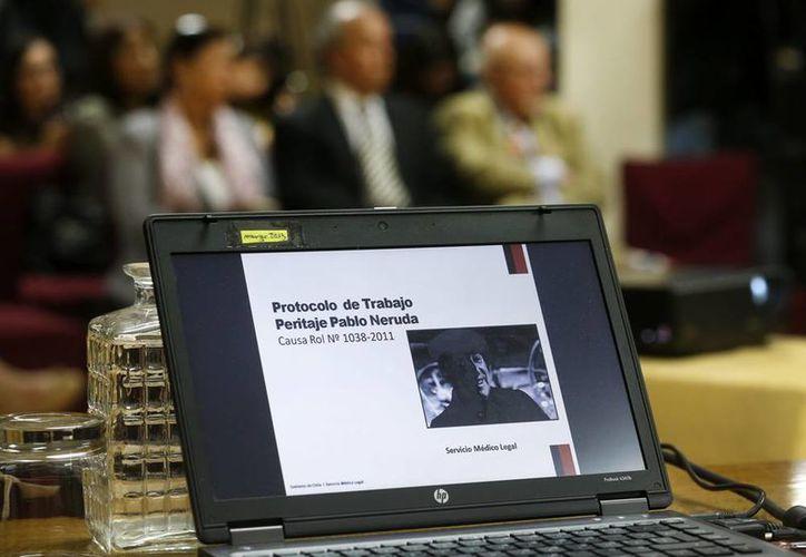 De nueva cuenta los restos del poeta Pablo Neruda serán investigados en busca de la verdad de su muerte.(EFE/Archivo)