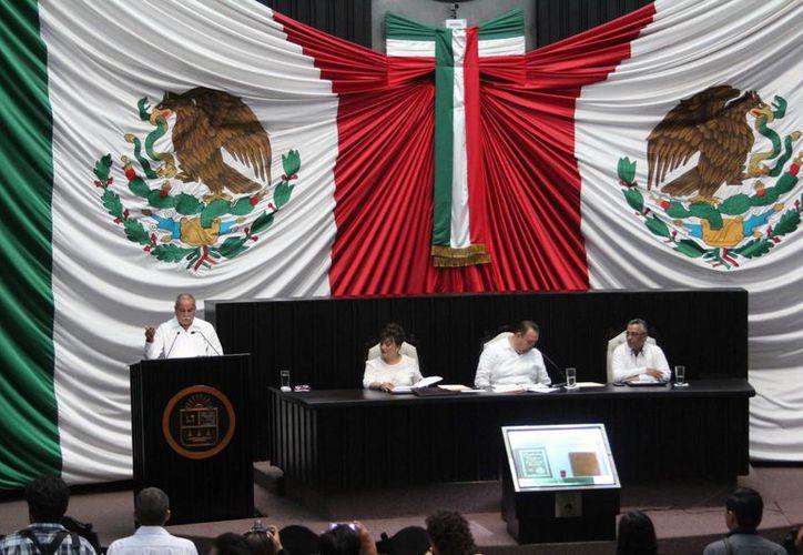 El presidente calcula que los diputados estarán fuera a mas tardar en un mes.(Claudia Martín/SIPSE)