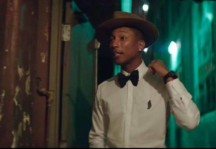 Pharrell Williams, quien en la imagen aparece en un el video de la canción Happy, es uno de los favoritos para ganar el premio al mejor video en Europa. (YouTube/iamother)