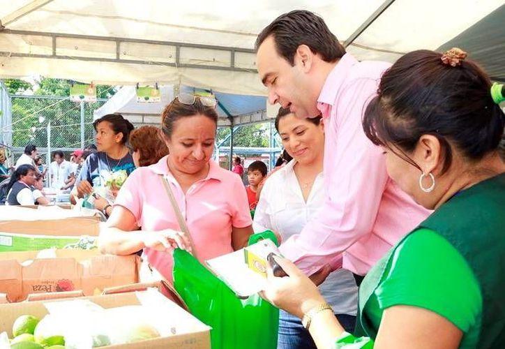 La edición simultánea de la entrega de Recicla por tu bienestar, estuvo encabezada por Nerio Torres Arcila. (Milenio Novedades)