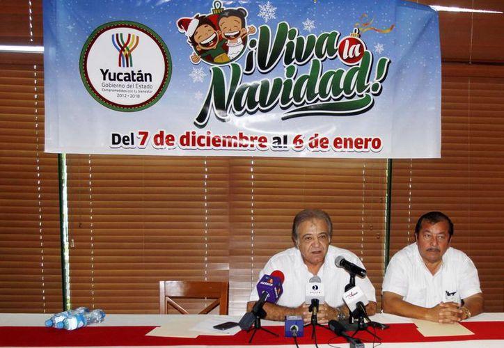 El presidente del Instituto Promotor de Ferias, Juan José Abraham Achach, dio a conocer los detalles del evento Viva la Navidad que será en La Plancha del 7 de diciembre al 6 de enero próximo. (Milenio Novedades)