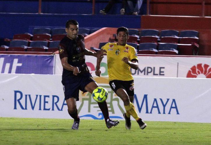 El encuentro se disputó en el estadio Andrés Quintana Roo. (Notimex)