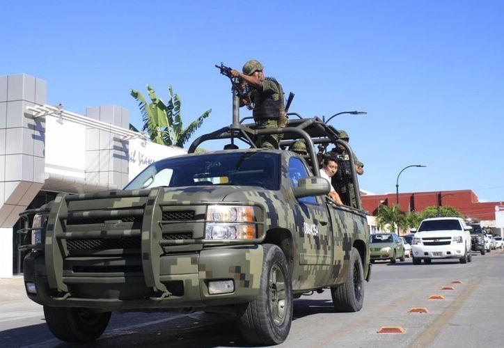 La impresión ciudadana respecto a la seguridad de las zonas donde viven, ha motivado la vigilancia, incluso a cargo del Ejército. (Harold Alcocer/SIPSE)