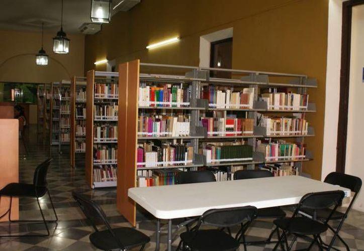 Las bibliotecas del municipio ofertan diversos servicios gratuitos al público. (Archivo/SIPSE)