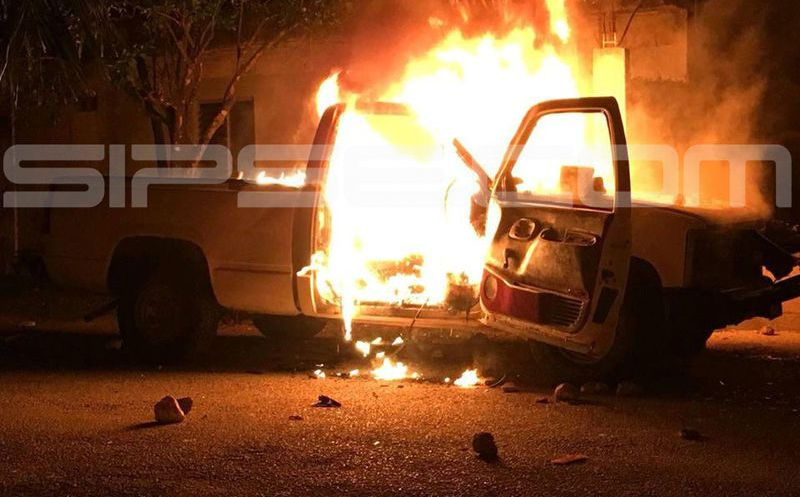 En Temozón, una camioneta fue incendiada. (Milenio Novedades)