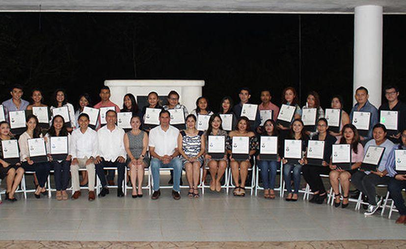 Egresó de la universidad la generación 2013-2017. (Octavio Martínez/SIPSE)