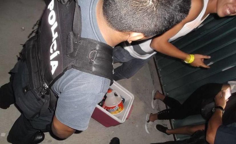 El departamento de fiscalización de Cozumel vigiará que se cumpla la Ley Seca durante la jornada electoral del 5 de junio. (Irving Canul/SIPSE)