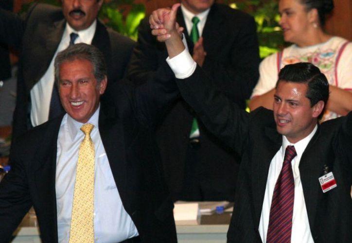 """Montiel dijo que con la llegada del también ex mandatario estatal a la Presidencia """"le irá bien a México"""". (blogspot.com)"""