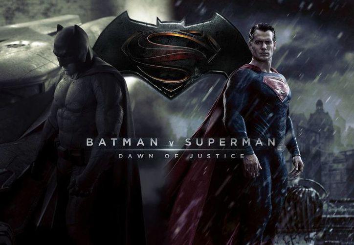 'Batman vs Superman: El Origen de la Justicia', la cual fue dirigida por Zack Snyder y es protagonizada por Ben Affleck y Henry Cavill, ya está en las salas de México desde este jueves. (Imagen tomada de www.playcam.com)
