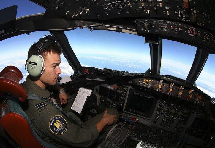 Las fuerzas de Australia comandan la operación de búsqueda en la zona noroeste del Océano Índico. (Agencias)