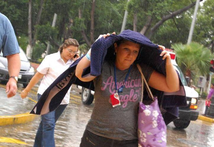 Pronostican tormentas fuertes para el Estado, así como altas temperaturas, todo esto por la llegada del huracán Katia a las costas de Veracruz. (SIPSE)