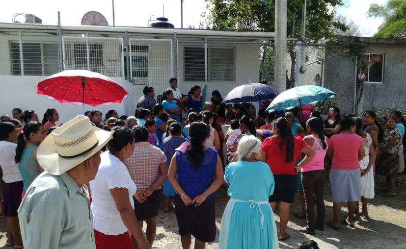 Los pobladores comentaron que en dado caso que las autoridades no respondan a sus llamados, realizarán manifestaciones.  (Foto: Juan Rodríguez / SIPSE)