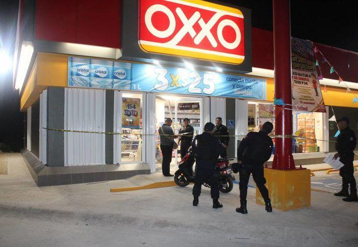 Una tienda de conveniencia fue asaltada a mano armada durante la madrugada de ayer en Cancún. (Redacción/SIPSE)