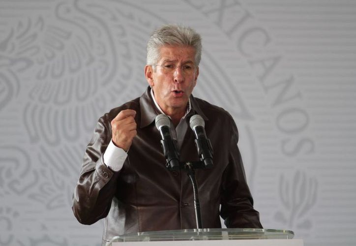 Gerardo Ruiz Esparza, titular de la SCT, dijo que la dependencia a su cargo manejará con honestidad los recursos públicos. (Archivo/Notimex)