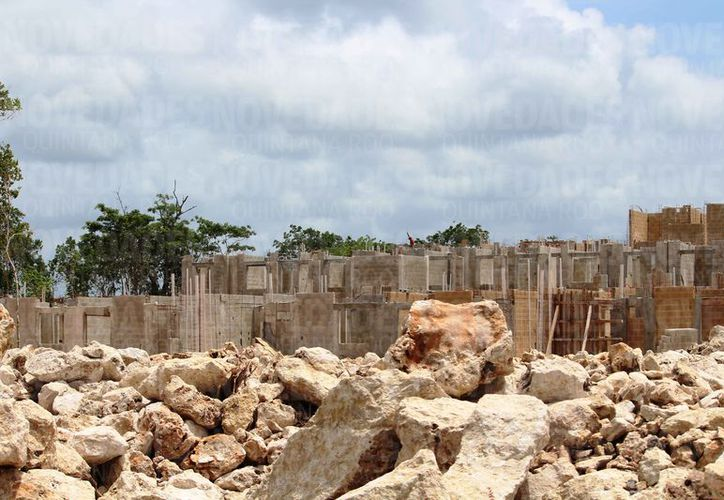 La Semarnat autorizó la construcción de tres megaproyectos en Playa del Carmen y Puerto Aventuras. (Octavio Martínez/SIPSE)