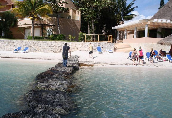 """El arrecife artificial se ubicará frente a tres lotes, donde también se sitúa la caleta """"Chac Hal Al"""", a un costado del hotel Barceló. (Octavio Martínez/SIPSE)"""