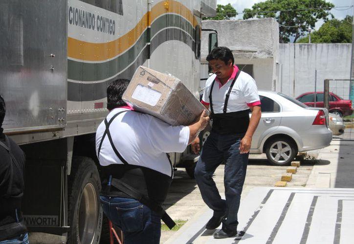 El INE prevé que el material sea trasladado en cuatro camiones, que llegarán al estado por la ruta de Campeche. (Joel Zamora/SIPSE)