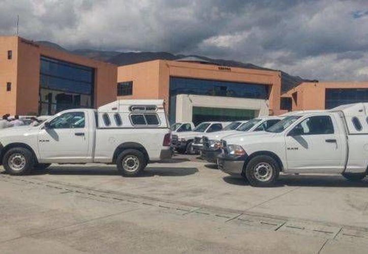 Enmedio de la inestabilidad que se vive en Guerrero, el gobierno entregó vehículos a personal electoral. (Milenio)