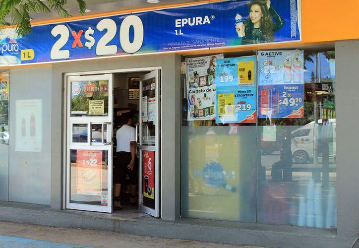 Un ex trabajador de una tienda de conveniencia fue víctima de tres asaltos con violencia. (Foto: Luis Soto)